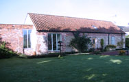 Hall Farm Garden, Gainsborough, Lincolnshire - Old Stables Holiday Cottage, Hall Farm